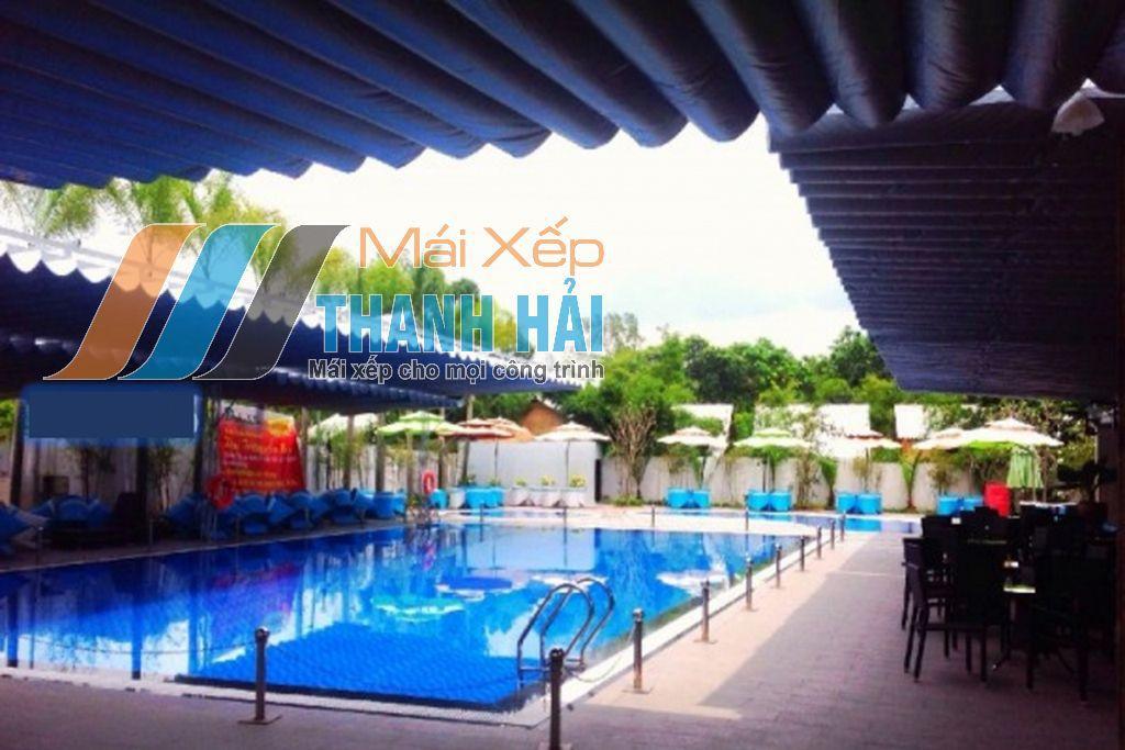 lắp đặt mái xếp tại bể bơi