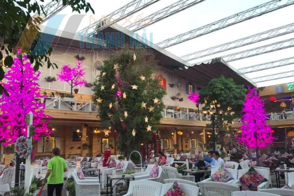 hệ thống mái xếp Hệ thống mái xếp được làm cho khu resort của công ty Thanh Hải