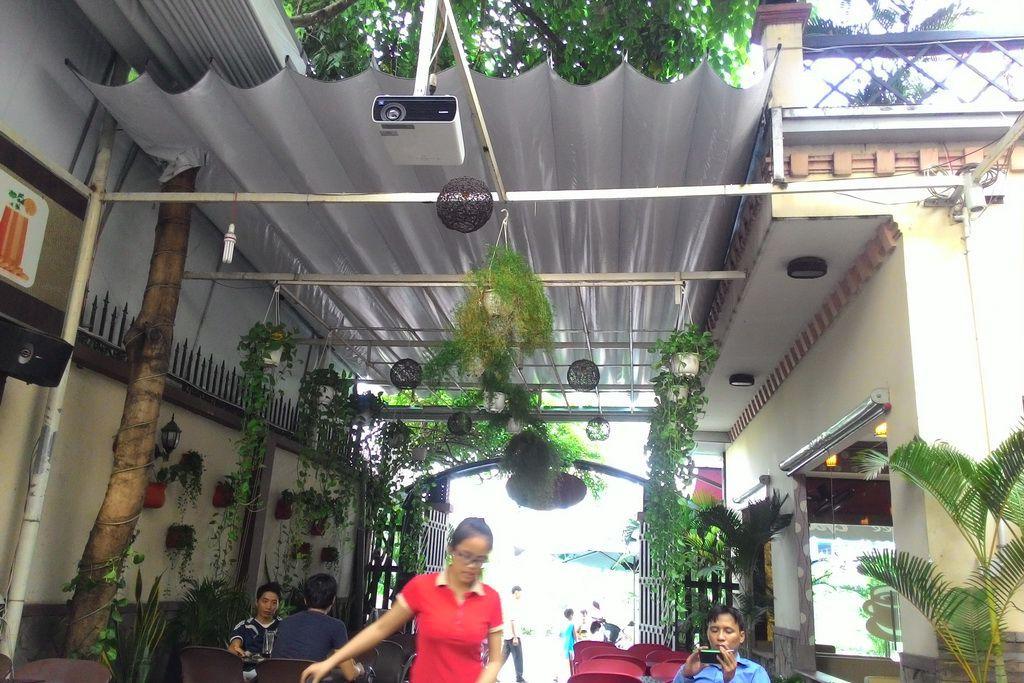 bạt xếp quán cafe