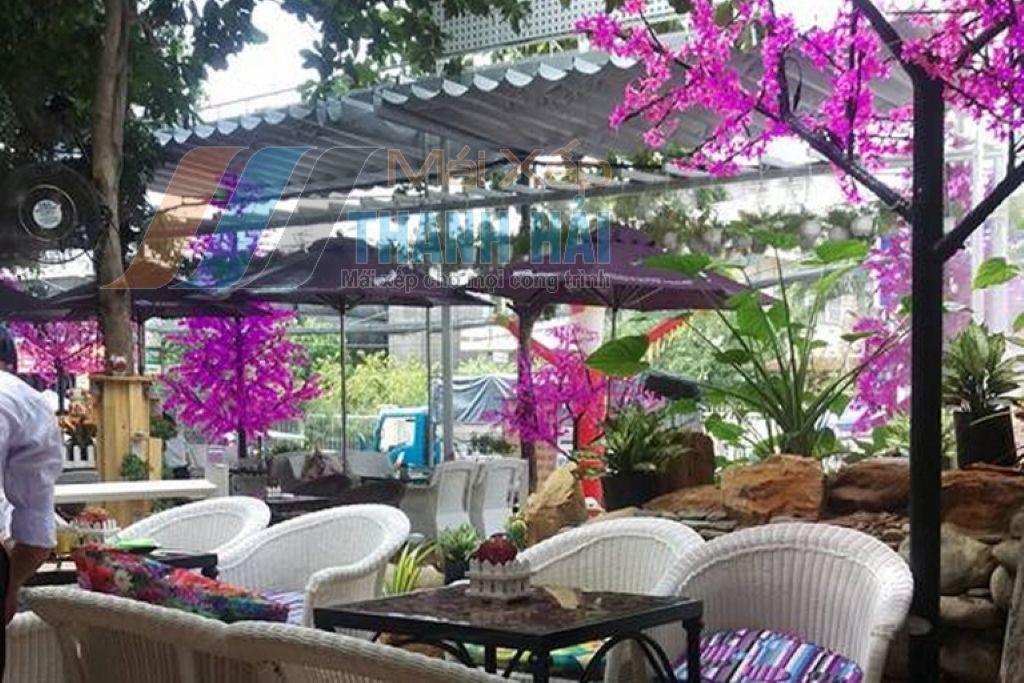 mái che xếp quán cafe sân vườn